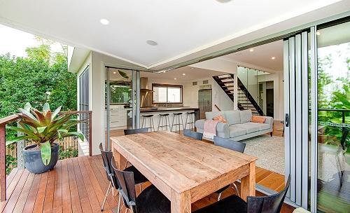 Custom home Brisbane deck